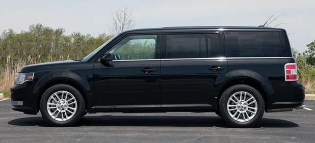 2013 Ford Flex side view