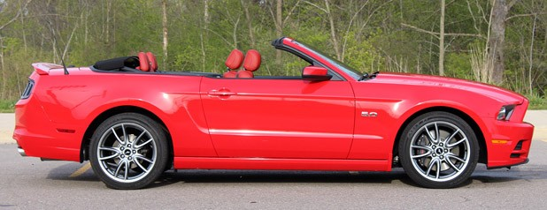 2013 Ford Mustang GT Convertible side view
