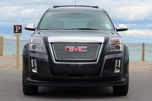 2013 GMC Terrain Denali front view