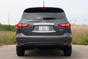 2013 Infiniti JX35 rear view
