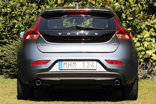 2013 Volvo V40 rear view