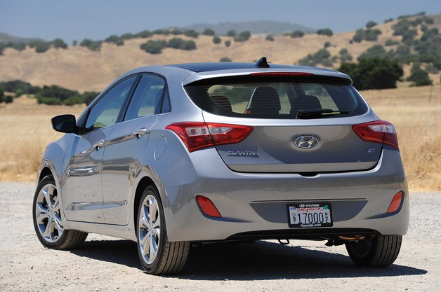 2013 Hyundai Elantra GT rear 3/4 view