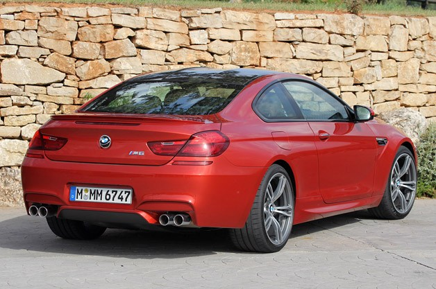 2013 BMW M6 rear 3/4 view