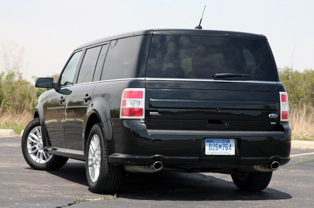 2013 Ford Flex rear 3/4 view