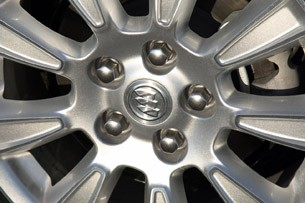 2012 Buick Regal eAssist wheel