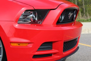 2013 Ford Mustang GT Convertible front detail