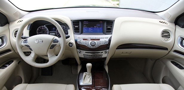 2013 Infiniti JX35 interior