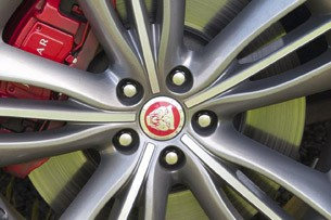2012 Jaguar XJ Sport and Speed wheel
