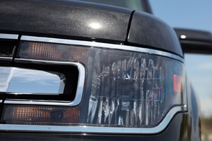 2013 Ford Flex headlight