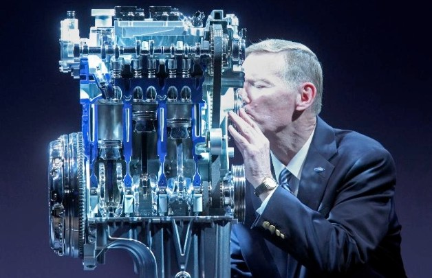 Ford CEO Alan Mulally kissing 1.0 EcoBoost