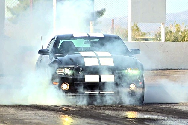 2013 Shelby GT500 burnout
