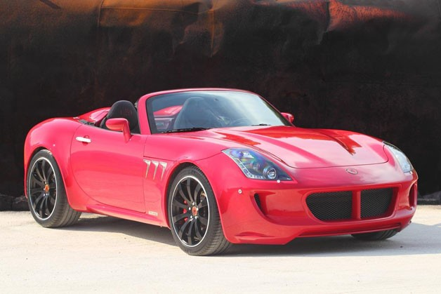 Tauro Sport Auto V8 Spider - red - front three-quarter view, top-down