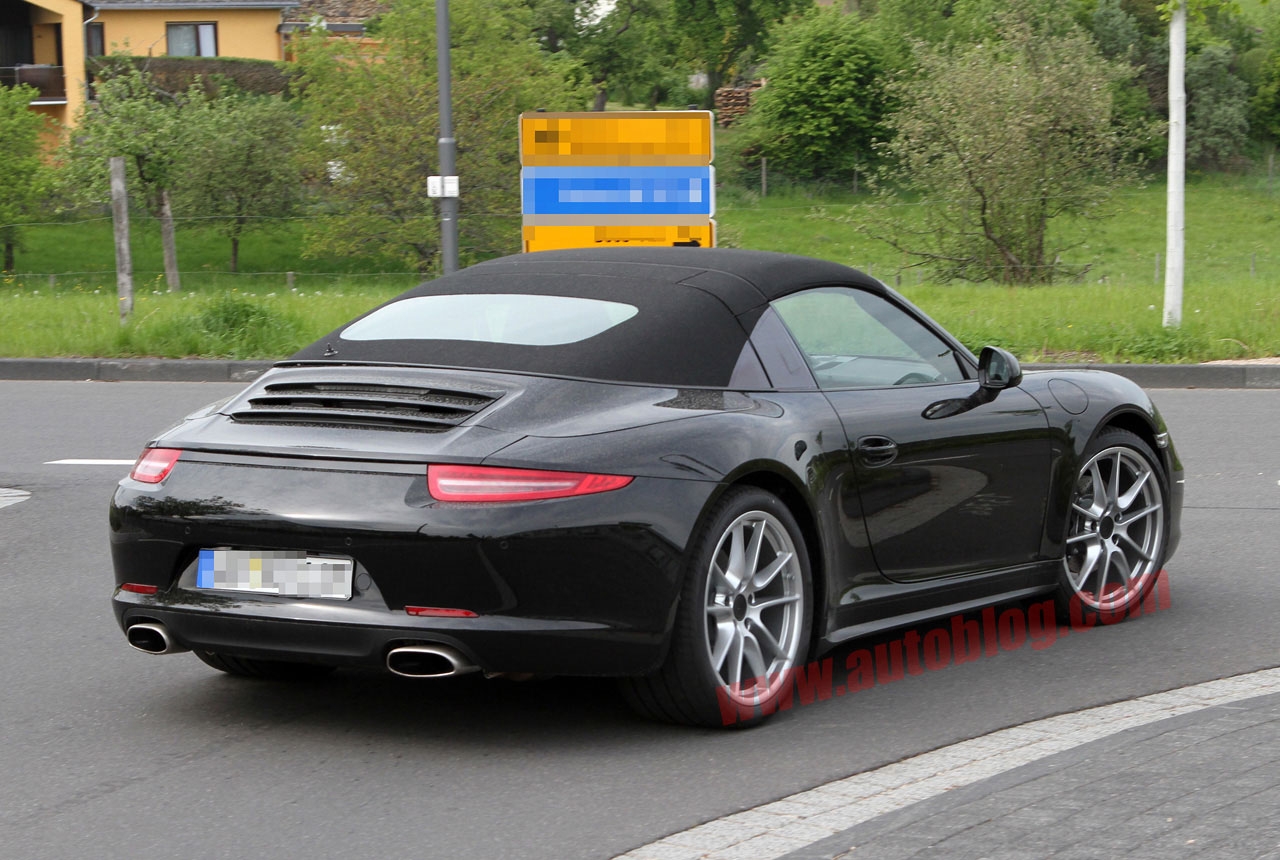 Porsche 911 prototype caught sporting real Targa roof