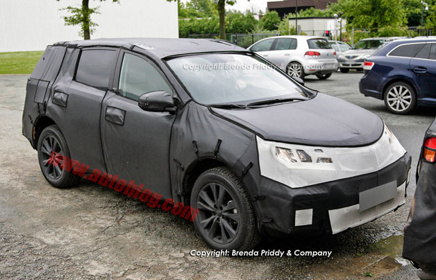 Toyota RAV4 spy shots