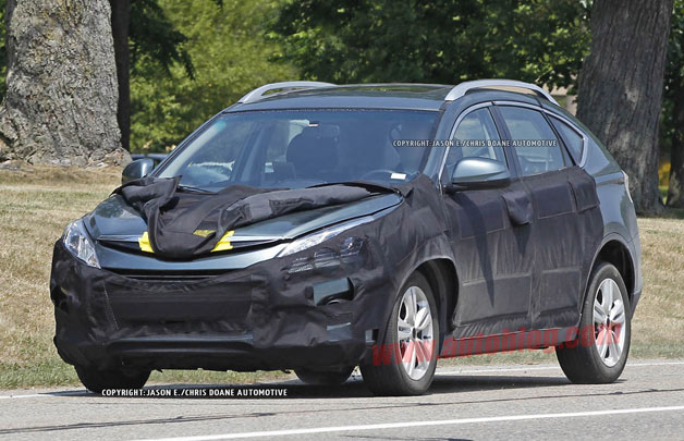 Mystery CUV spy shots - front three-quarter view