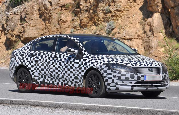 Qoros sedan spy shots - front three-quarter view, disguised