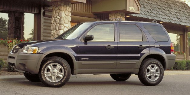 2002 Ford Explorer - blue - shallow front three-quarter view