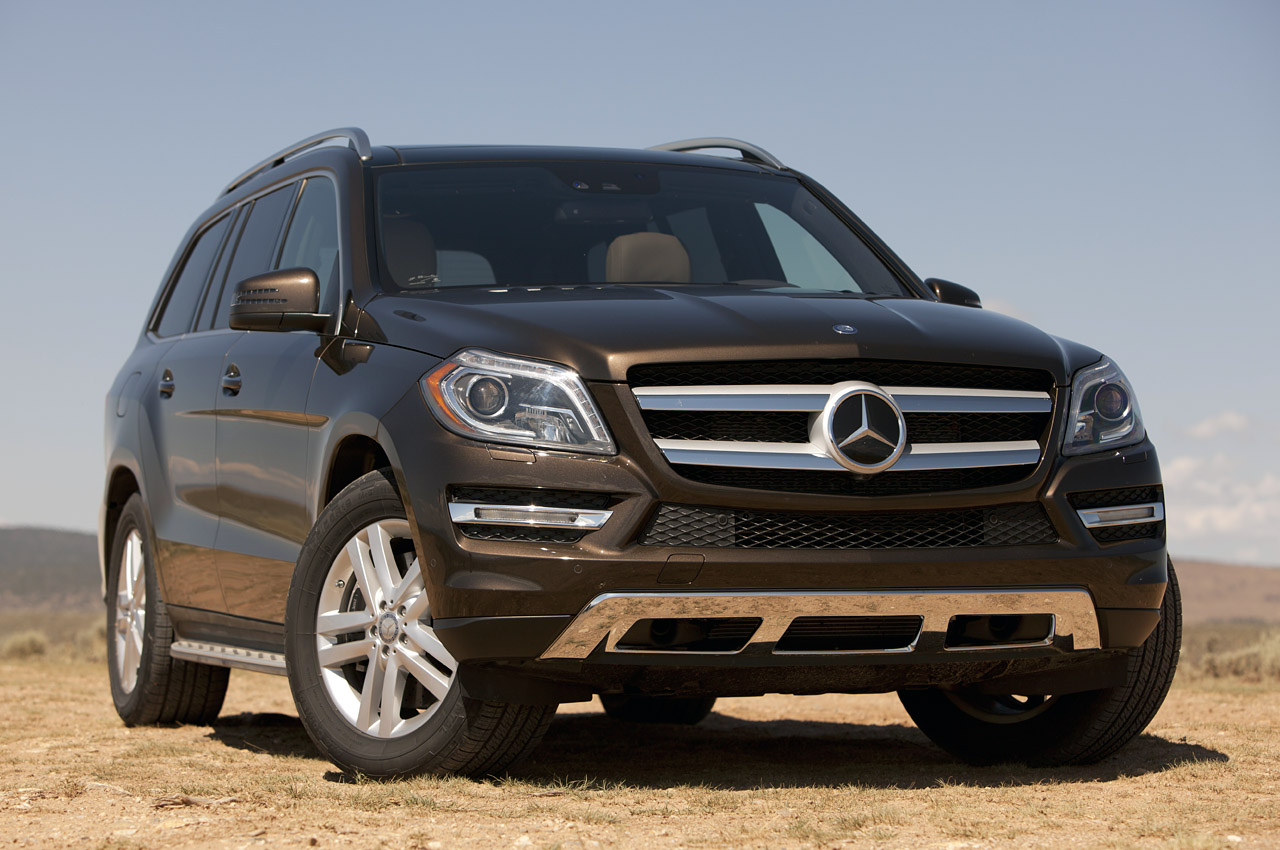 2013 mercedes benz gl450 w video autoblog for Mercedes benz 450