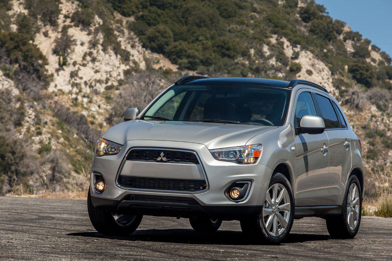 mitsubishi recalling 2013 outlander sport for suspension issue autoblog. Black Bedroom Furniture Sets. Home Design Ideas