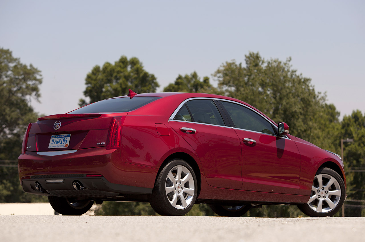 2013 cadillac ats first drive photo gallery autoblog. Black Bedroom Furniture Sets. Home Design Ideas