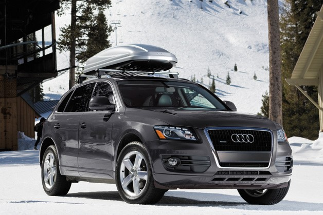 2012 Audi Q5 - front three-quarter static view with roof rack