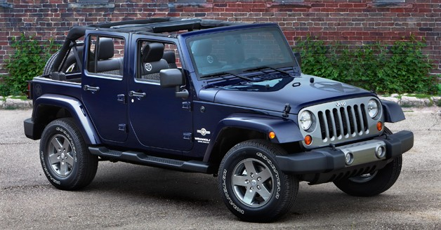 2013 Jeep Wrangler Freedom - front three-quarter view - blue