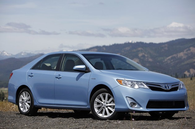 2012 Toyota Camry Hybrid - front three-quarter view