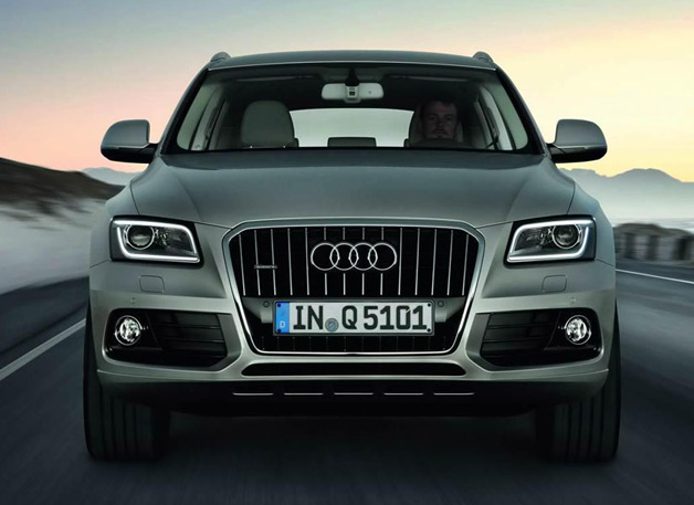 2013 Audi Q5 - dead-on front view, gray