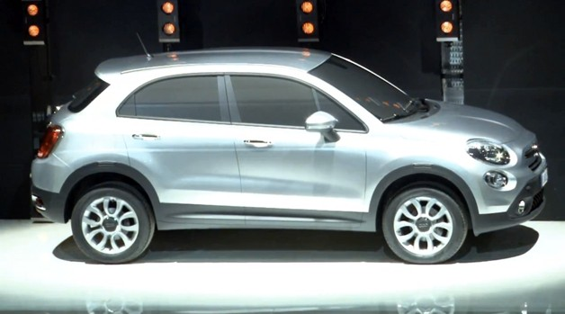 Fiat 500X crossover sneak peek - video screencap