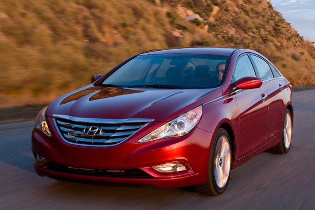 2013 Hyundai Sonata - dynamic front three-quarter view