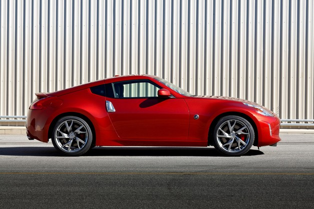 2013 Nissan 370Z - red - profile