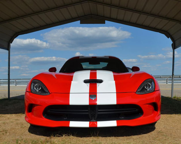 2013 SRT Viper shown with stripes for the first time (red with white)