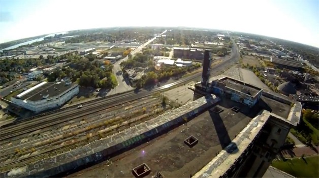 Detroit from above - r/c helicopter video screencap