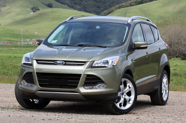 2013 Ford Explorer - green - front three-quarter view