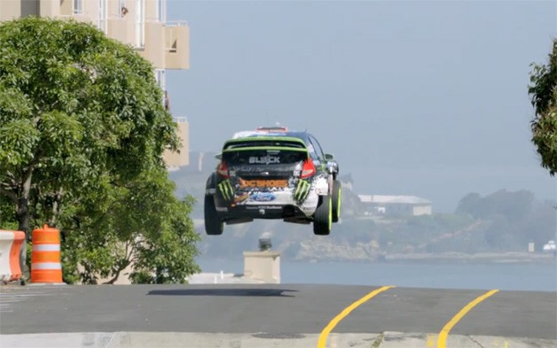 Ken Block Gymkhana 5 screencap - Fiesta leaping in San Francisco