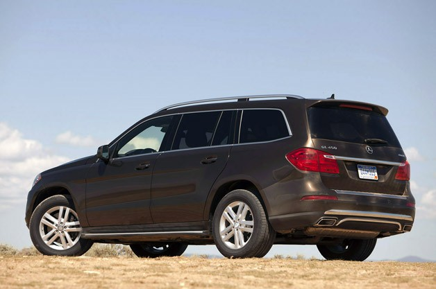 2013 Mercedes-Benz GL450 rear 3/4 view