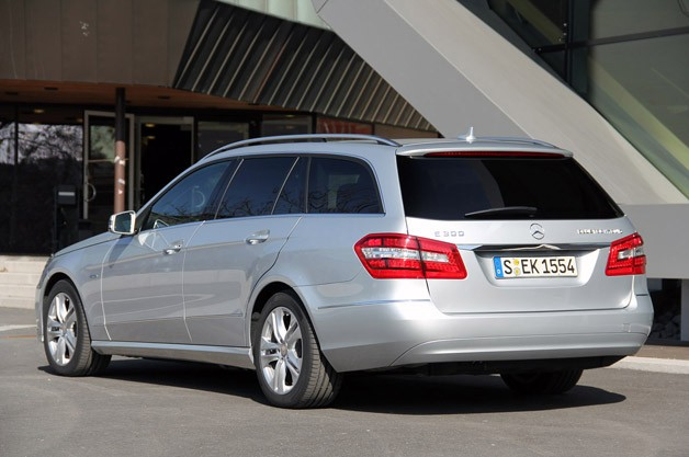 2012 Mercedes E 300 BlueTEC Hybrid rear 3/4 view