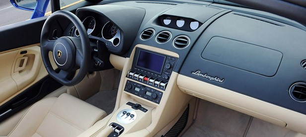 2012 Lamborghini Gallardo LP 550-2 Spyder interior