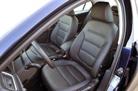 2011 Volkswagen Jetta TDI front seats