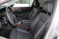 2012 Mercedes E 300 BlueTEC Hybrid front seats