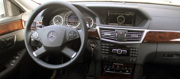2012 Mercedes E 300 BlueTEC Hybrid interior