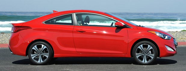 2013 Hyundai Elantra Coupe side view