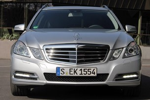 2012 Mercedes E 300 BlueTEC Hybrid front view