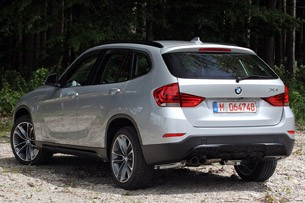 2013 BMW X1 rear 3/4 view