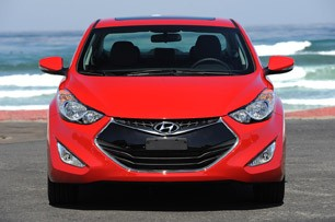 2013 Hyundai Elantra Coupe front view