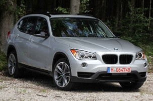 2013 BMW X1 front 3/4 view