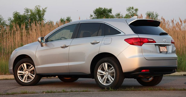 2013 Acura RDX rear 3/4 view