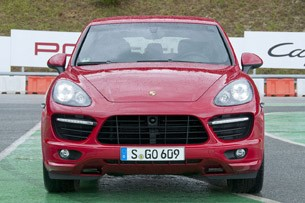 2013 Porsche Cayenne GTS front view
