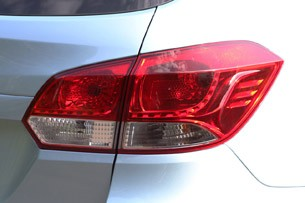 2012 Chevrolet Cruze Wagon taillights