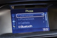 2012 Ford Focus 1.0-liter EcoBoost phone display